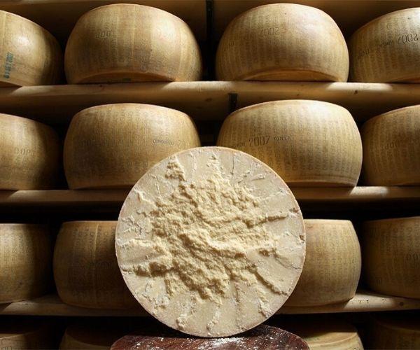 Stagionatura Parmigiano Reggiano